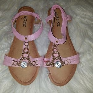 Shoes - Pretty pink sandals